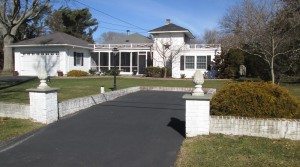 11 Colonial Dr.